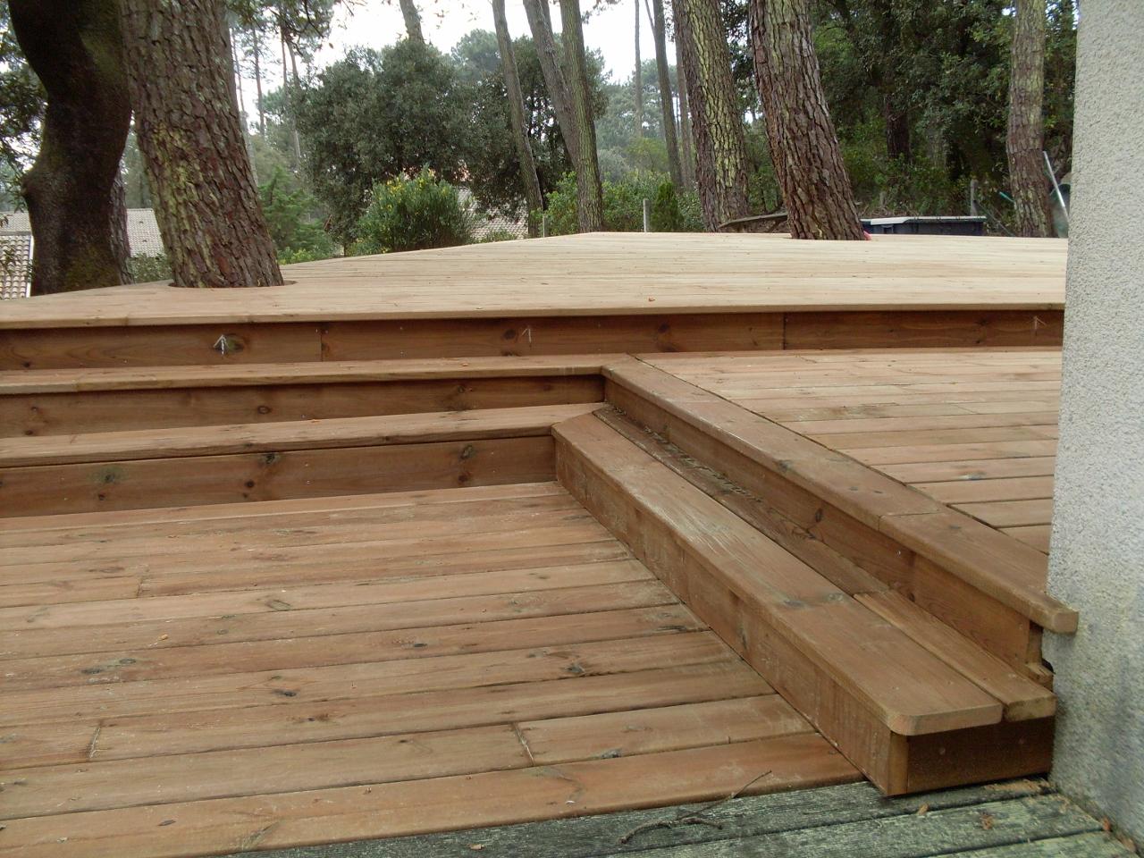 Terrasse bois 3 niveaux lacanau 33680 artisan charpente menuiserie for Avancee terrasse couverte