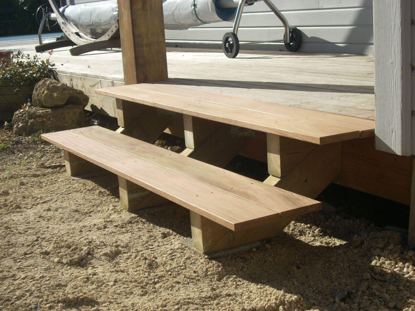 Escalier ext rieur en bois artisan charpente menuiserie - Petit escalier en bois ...