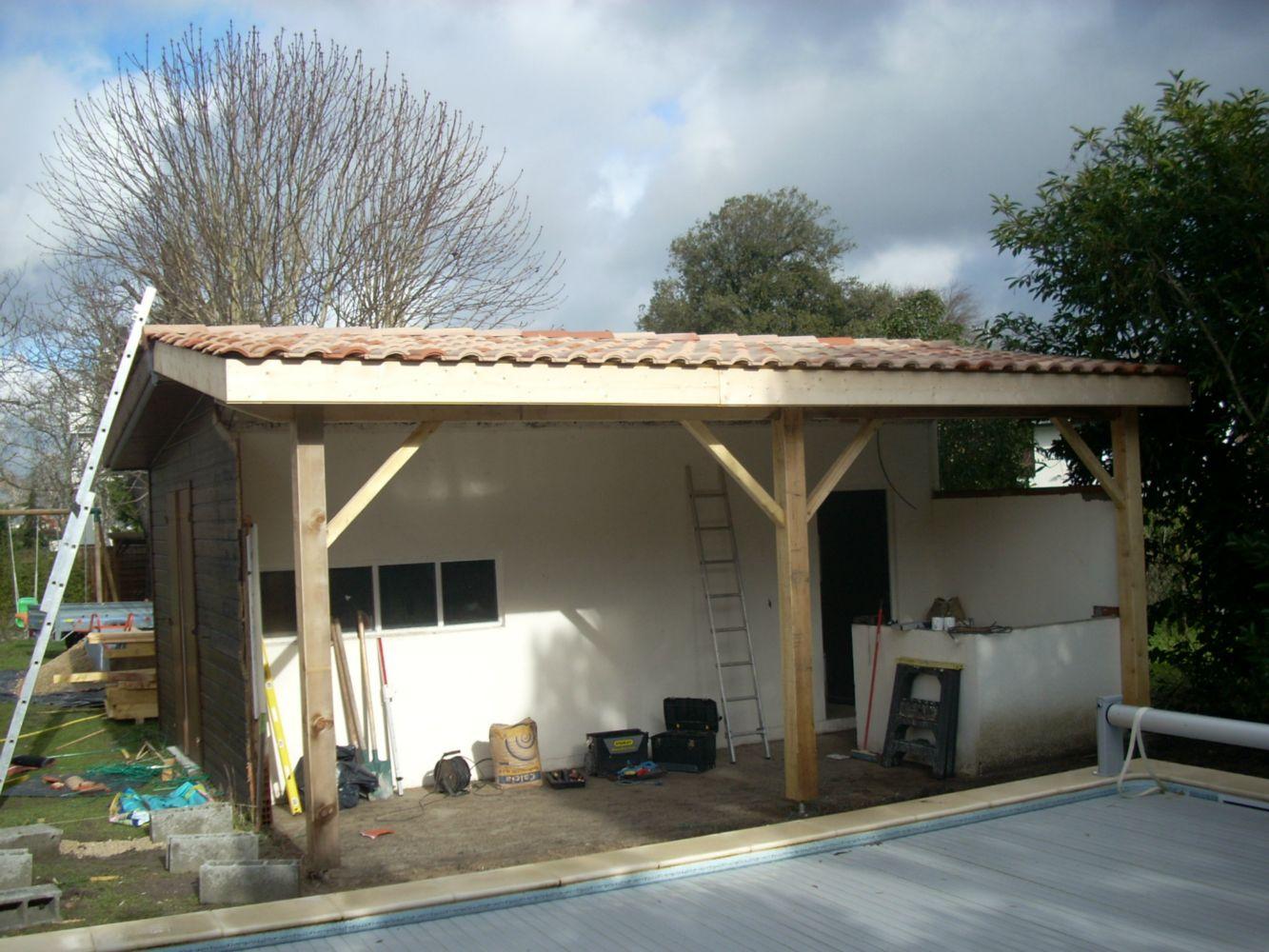 charpente pool house bois obtenez des id es de design int ressantes en utilisant. Black Bedroom Furniture Sets. Home Design Ideas
