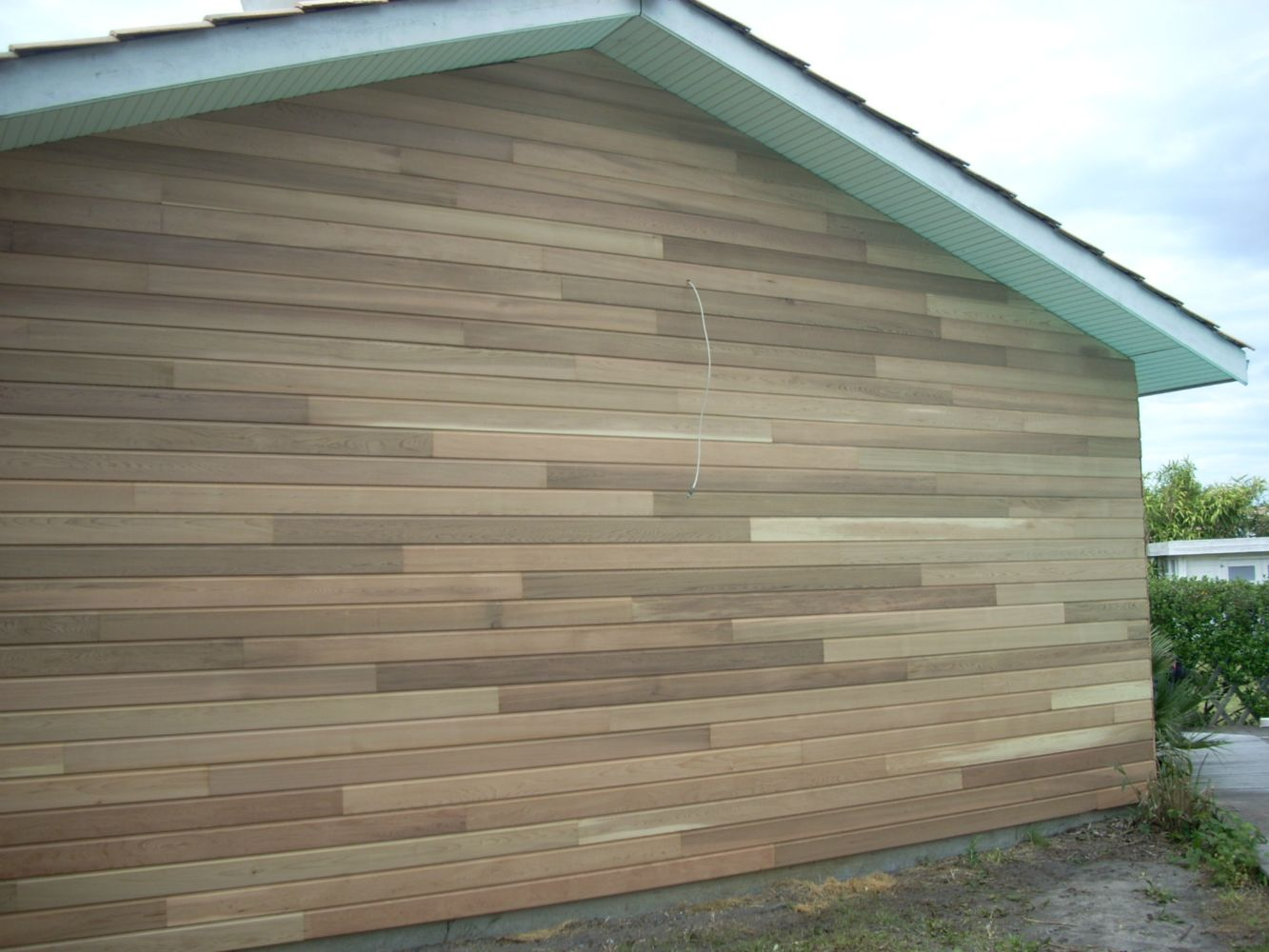 Bardage en red cedar en r novation artisan charpente for Renovation bardage bois exterieur