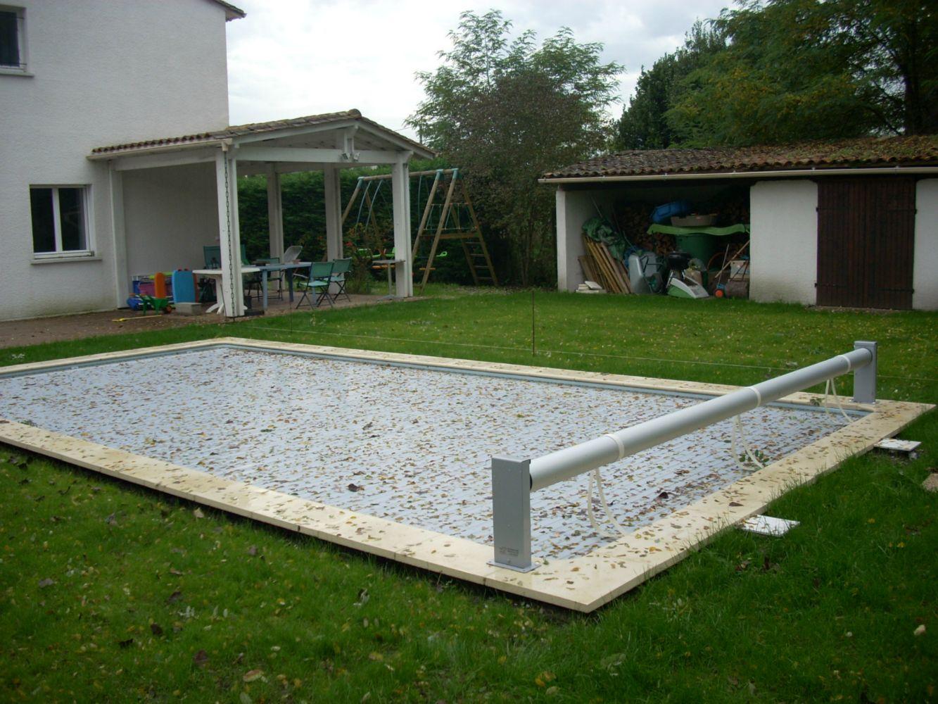 autour piscine un air de mditerranen pour ce jardin autour duune piscine autour piscine son. Black Bedroom Furniture Sets. Home Design Ideas