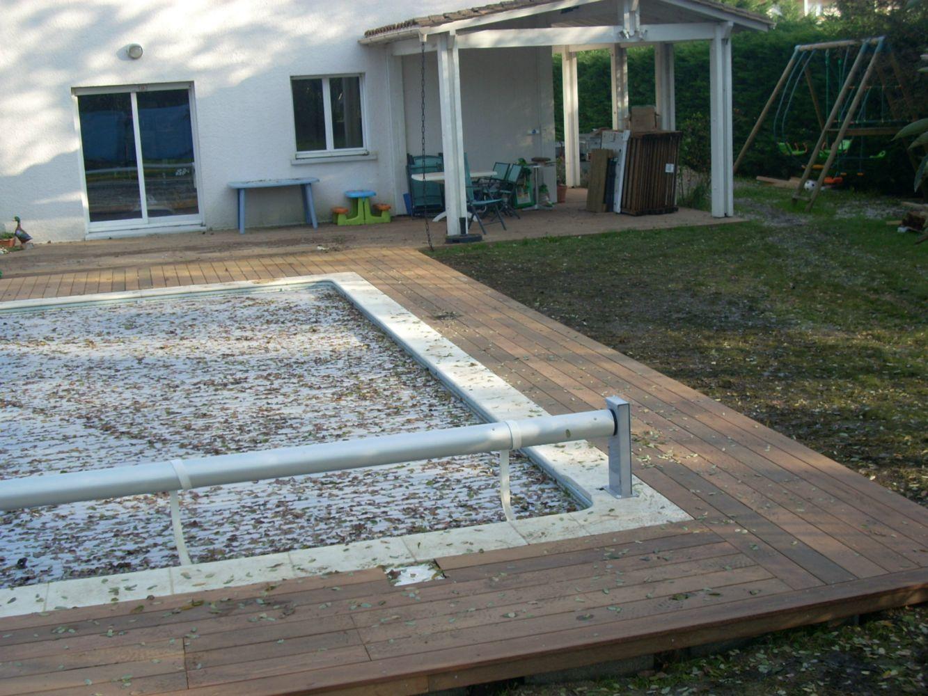 Terrasse en Ipé autour de piscine  ARTISAN CHARPENTE MENUISERIE