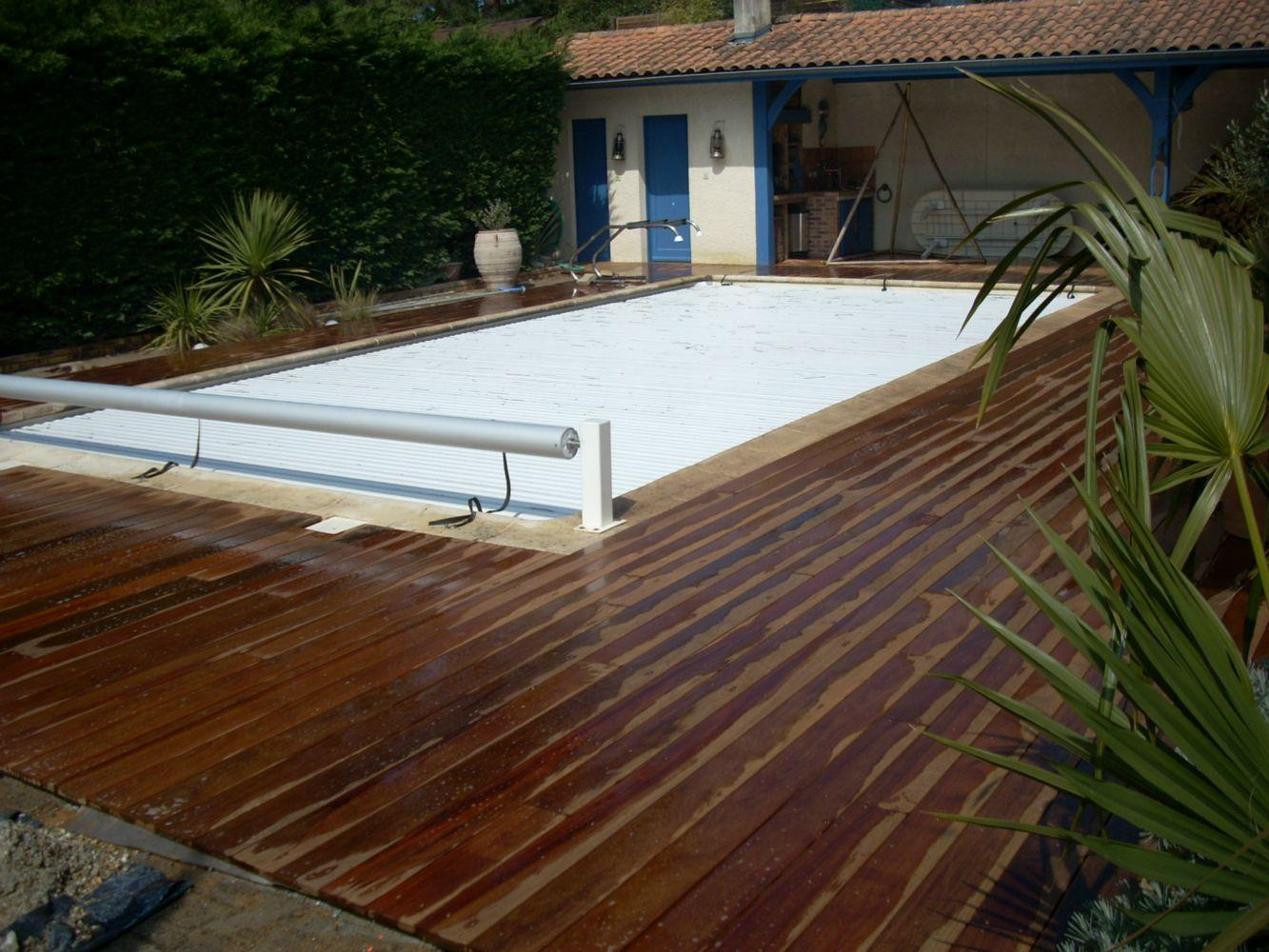 Terrasse en ip autour d 39 une piscine artisan charpente for Terrasse autour d une piscine